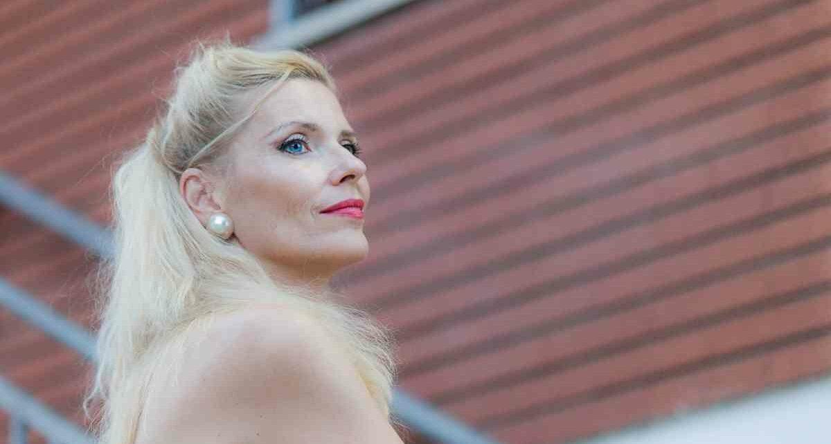 Хадла Маргрет Арнадоттир (Halla Margrét Árnadóttir): Участница Евровидения 1987 Года Из Исландии