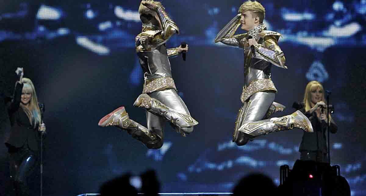 """Дуэт """"Jedward"""": участники Евровидения 2012 года из Ирландии"""